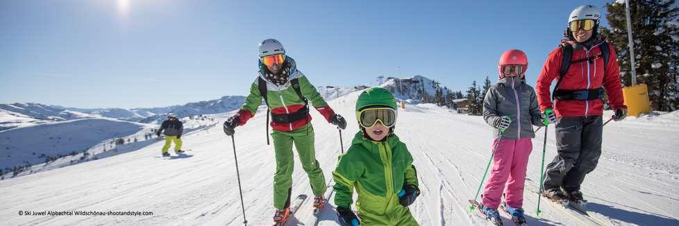 Skireisen Familienfreundlich mit Copyright
